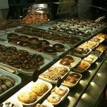 Photo taken at Krispy Kreme by Bogie S. on 7/28/2012