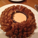 Photo taken at Outback Steakhouse by Natty D. on 6/29/2012