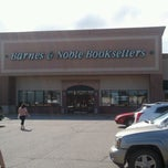 Photo taken at Barnes & Noble by Gary W. on 8/29/2012