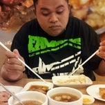 Photo taken at Hongkong Noodle by Garn Z. on 4/29/2012