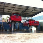 Photo taken at AUTO GLYM car wash by Andree S. on 6/8/2012