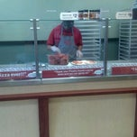 Photo taken at Papa Murpys Take N Bake Pizza by Tony C. on 4/15/2012