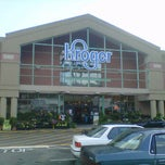 Photo taken at Kroger by Gwy on 4/7/2012
