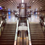 Photo taken at MRT ศูนย์การประชุมแห่งชาติสิริกิติ์ (Queen Sirikit National Convention Centre) SIR by Tanaphat S. on 9/3/2012