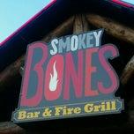 Photo taken at Smokey Bones Bar & Fire Grill by Teresa O. on 8/4/2012