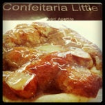 Photo taken at Confeitaria Little by Kamille R. on 3/5/2012