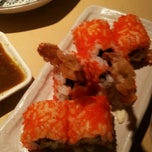 Photo taken at Sushi Zanmai by Zieziey H. on 2/17/2012