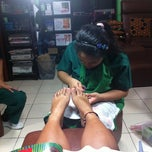 Photo taken at Elite Nails Hands and Foot Spa by Yanae R. on 6/12/2012