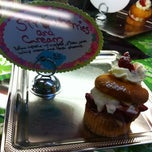 Photo taken at Art & Cake Bakery by Beth Lacey G. on 3/3/2012