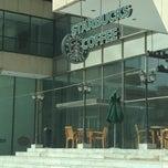 Photo taken at Starbucks | ستاربكس by Nouf A. on 6/30/2012