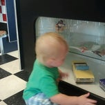 Photo taken at Hwy 55 Burgers, Shakes & Fries by Heather B. on 7/7/2012