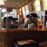 Photo taken at The Coffee Bean & Tea Leaf by Jimmy S. on 4/16/2012