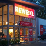Photo taken at Rewe:XL Hundertmark by Bildrauschen on 8/16/2012