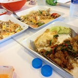 Photo taken at FoodPark @ Central Plaza Phitsanulok by Meaw... on 8/7/2012