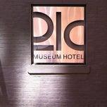 Photo taken at 21c Museum Hotels - Louisville by Caroline K. on 6/8/2012