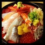 Photo taken at 沼津魚がし鮨 パルシェ6F店 by 山田 0. on 6/19/2012