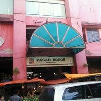 Photo taken at Pasar Bogor by Fajar S. on 2/5/2012