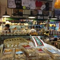 Photo taken at La Villa Delicatessen & Gourmet Shop by Eric C. on 2/12/2012