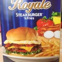 Photo taken at Steak 'n Shake by John D. on 3/22/2012