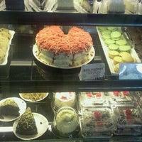 Photo taken at Moonleaf Tea Shop by TinTinFP on 3/11/2012