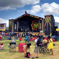 Photo taken at New Orleans Jazz and Heritage Festival by Mick Y. on 4/29/2012