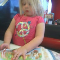 Photo taken at Steak 'n Shake by Peter D. on 8/20/2012