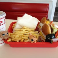 Photo taken at In-N-Out Burger by Eddie on 8/25/2012
