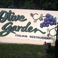 Photo taken at Olive Garden by Steve E. on 7/2/2012