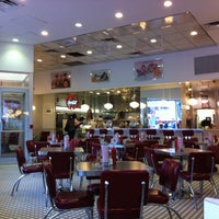 Photo taken at Johnny Rockets by Amanda A. on 9/28/2011