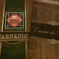 Photo taken at Pasto & Pizzas by Alexandre Medeiros on 7/29/2012