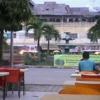 Photo taken at Alun-Alun Kota Juang by padi r. on 12/19/2011