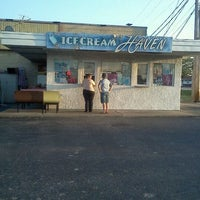 Photo taken at Ice Cream Haven by Christina T. on 8/24/2011