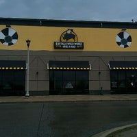 Photo taken at Buffalo Wild Wings by Timothy H. on 5/19/2011