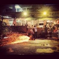 Photo taken at Gerai Makanan Japanese BBQ by William Lye Wei Wern on 8/17/2012