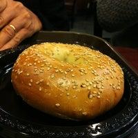 Foto tirada no(a) Gigi Cafe por Rian L. em 4/6/2012