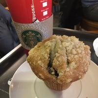 Photo taken at Starbucks by Max Wa B. on 12/24/2015