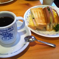 Photo taken at Komeda's Coffee by Sinan . on 4/7/2013