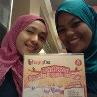 Photo taken at KFC by Nadirah B. on 10/28/2012