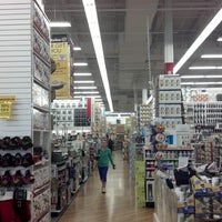 Photo taken at Bed Bath & Beyond by Ede H. on 1/5/2013