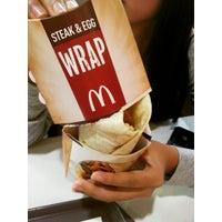 Photo taken at McDonald's by Chenhong N. on 12/20/2014