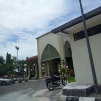 Photo taken at Masjid Teluk Air Tawar by Hasan H. on 9/28/2012