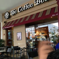 Photo taken at The Coffee Bean & Tea Leaf by Nysa M. on 3/18/2013