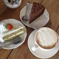 Photo taken at Lomo Cafe'' by นายอัง .. on 1/29/2013