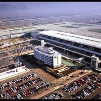 Photo taken at Aeropuerto Internacional Comodoro Arturo Merino Benítez (SCL) by Sechu . on 4/16/2013