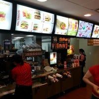 Photo taken at McDonald's by Daniel Gudiño on 9/30/2012