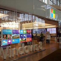 Photo taken at Microsoft Store by Ksenia N. on 2/16/2013