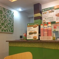 Photo taken at Cafeteria Verde Galleria by Efren P. on 11/5/2013
