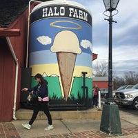 Photo taken at Halo Farm by Khürt W. on 12/18/2015