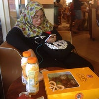 Photo taken at J.Co Donuts & Coffee by Nur Azmira A. on 8/5/2016