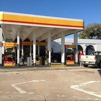 Photo taken at Okahumpka Service Plaza - Florida's Turnpike by Jay J. on 3/16/2013